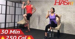 20-minütige Stuhlübungen im Sitzen - Fitnesstraining für ...