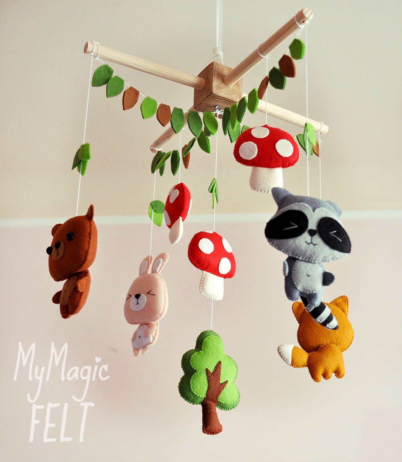 woodland baby mobile nursery woodland decor crib mobile animals forest friends mobile raccoon. Black Bedroom Furniture Sets. Home Design Ideas