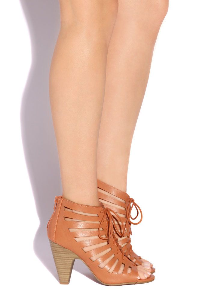 Lola Shoetique - City Babe - Salmon, $29.99 (http://www.lolashoetique.com/city-babe-salmon/)