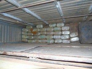 Agentes Federais da Delegacia de Repressão a Entorpecentes - DRE, na manhã de ontem (31), fizeram uma grande apreensão de cocaína, cerca de 206 Kg, com o valor estimado em três milhões de reais.A  ...