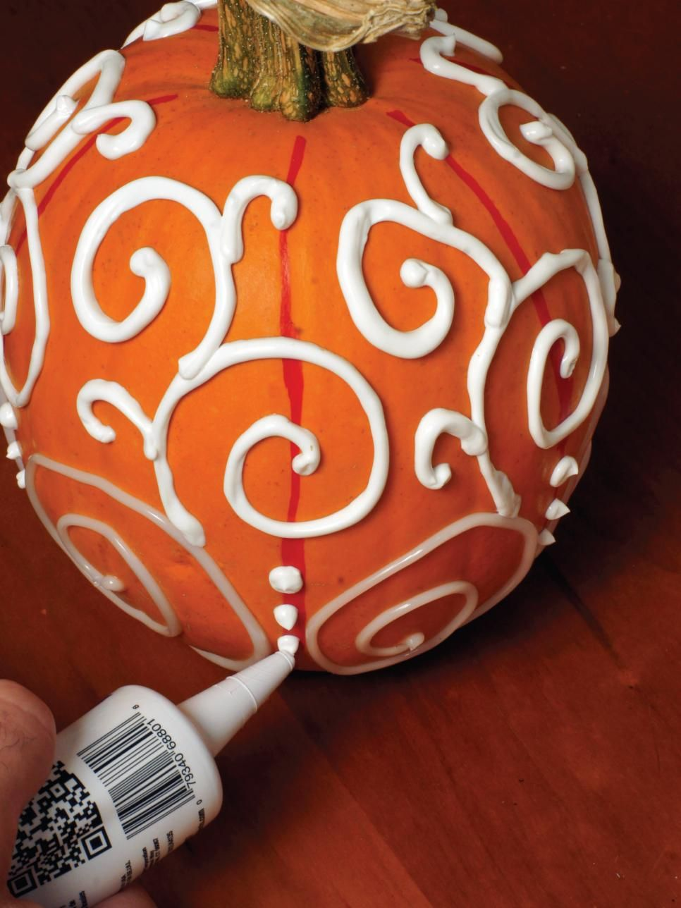 DIY Halloween Decor: Make a Modern Swirly Pumpkin