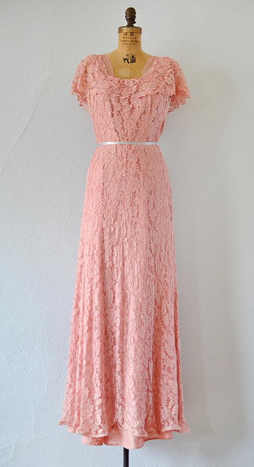vintage 1940s Demure Calcynia Dress   #1940s #40svintage #1940sdress ...