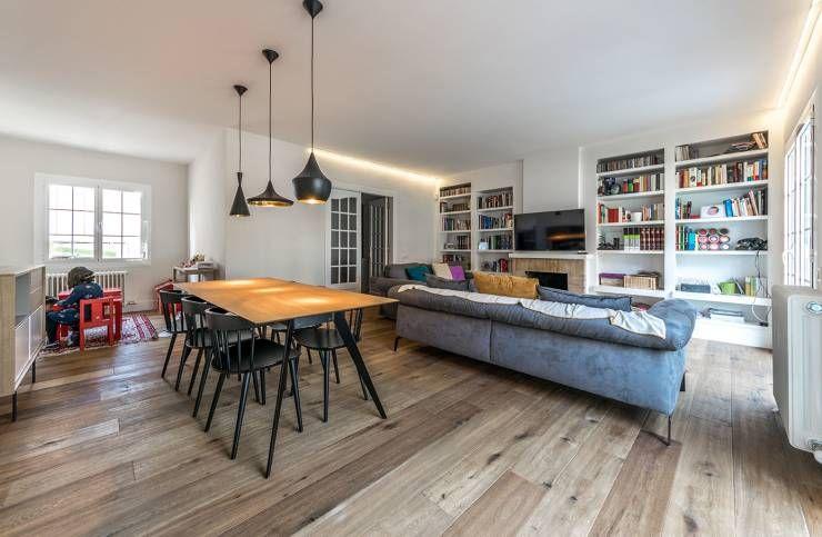 Soggiorno in stile in stile Moderno di 08023 Architects