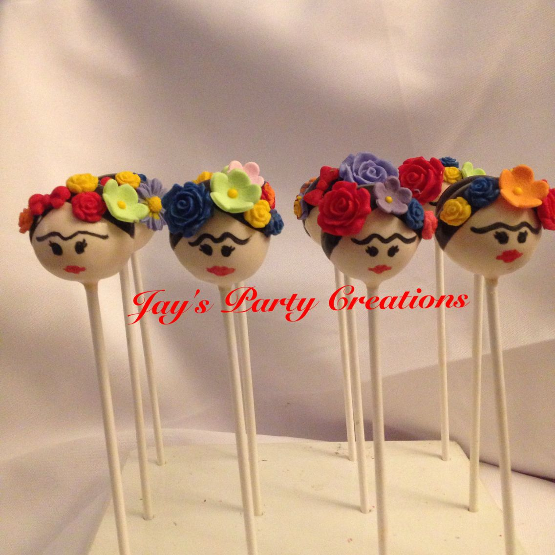 frida kahlo cake pops festliche s ssigkeiten pinterest s igkeiten essensideen und backen. Black Bedroom Furniture Sets. Home Design Ideas