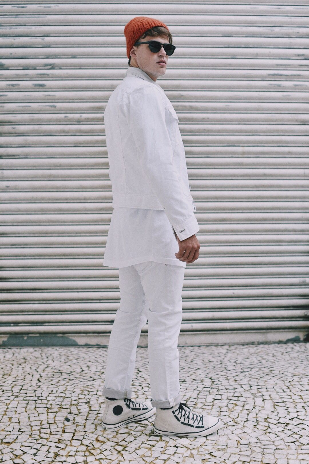 Editorial @piratastyle Modelo @marcelotaporosky @elomanegement Fotos @masaliby Direção/styling @tongomes Camiseta/ Calça/ jaqueta @diesel Tênis @converse Touca @cottonproject Oculos @oakley www.piratastyle.com