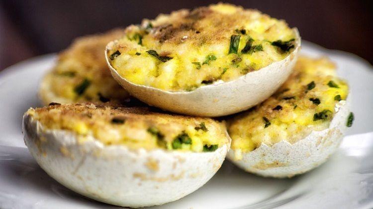 Recettes amuse-bouche œuf en 10+ idées pour les plus grands gourmets #amusebouchefacilerapide Pour transformer le petit repas en famille ou bien la grande occasion spéciale en une expérience culinaire sans équivoque, quoi de mieux que de tenter quelques-unes de nos recettes amuse-bouche œuf originales? Faciles et artistiques, elles émerveilleront tout le monde à l'apéritif, des enfants aux adultes! #amusebouchefacile