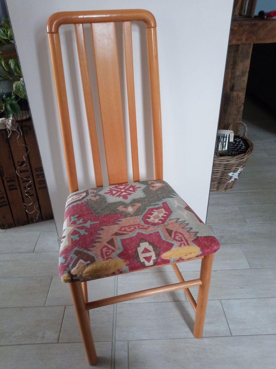 Relooking De Meuble Sarthe Pas Cher Chaise Pin Tissus Taupe Gris Peinture Camaelle Relooking Chaise Salle A Manger Mobilier De Salon Relooking Meuble