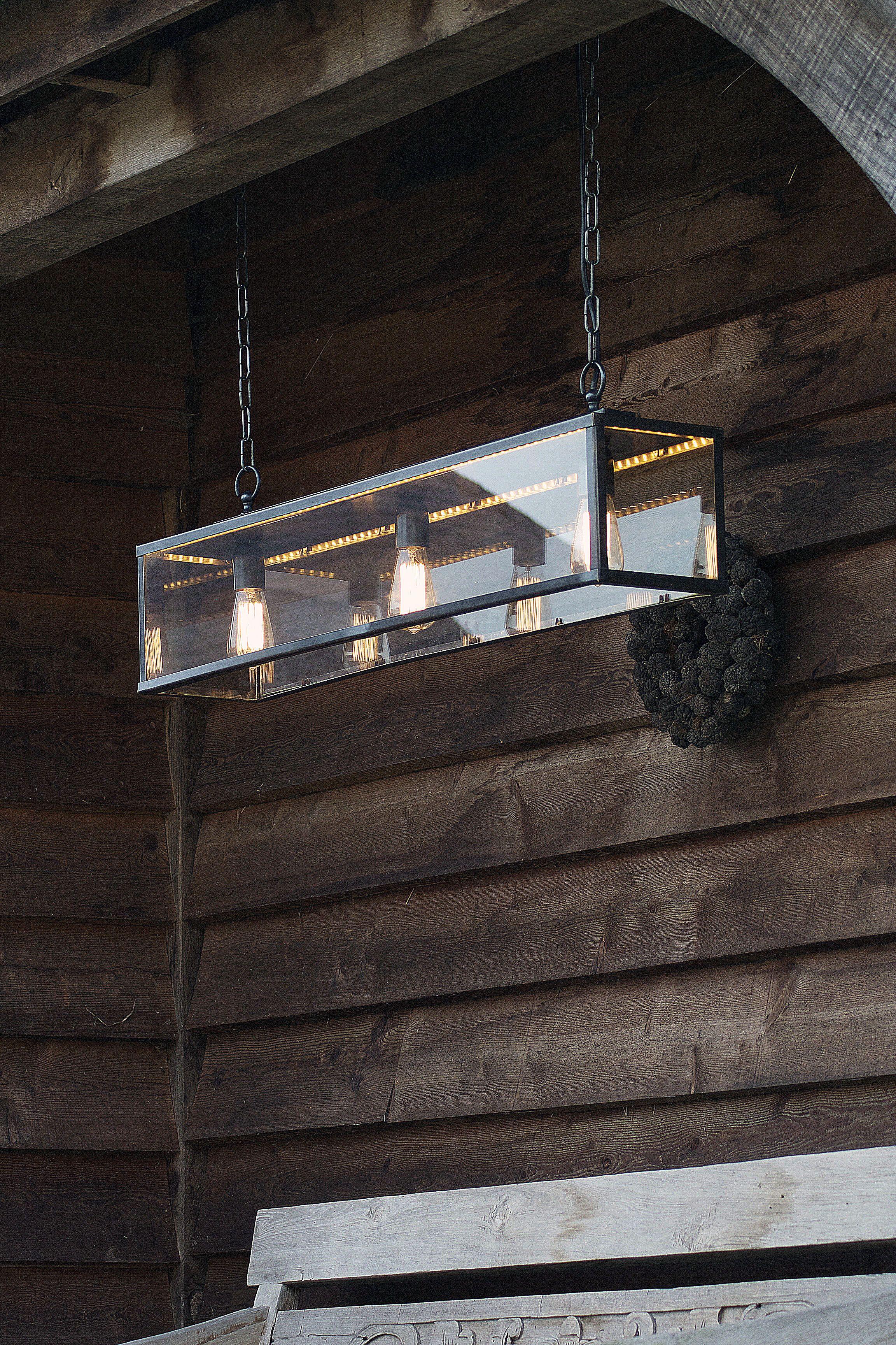 Balken Pendelleuchte Mit Glaskasten Im Retro Industrial Stil