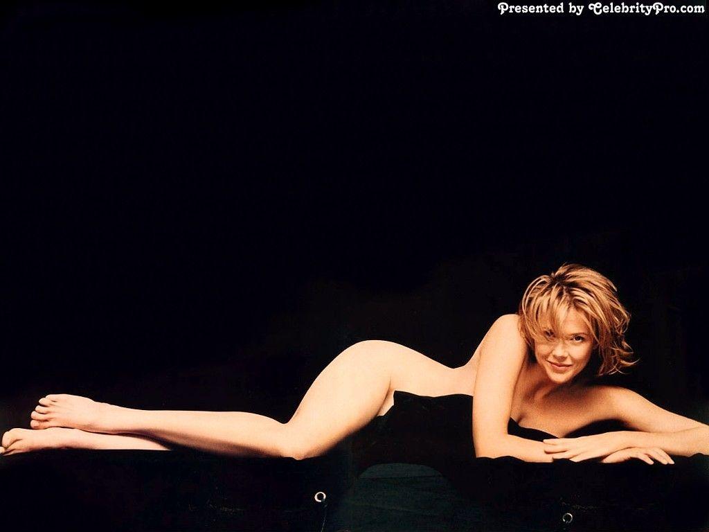 Annette Bening nackt, Oben ohne Bilder, Playboy Fotos,