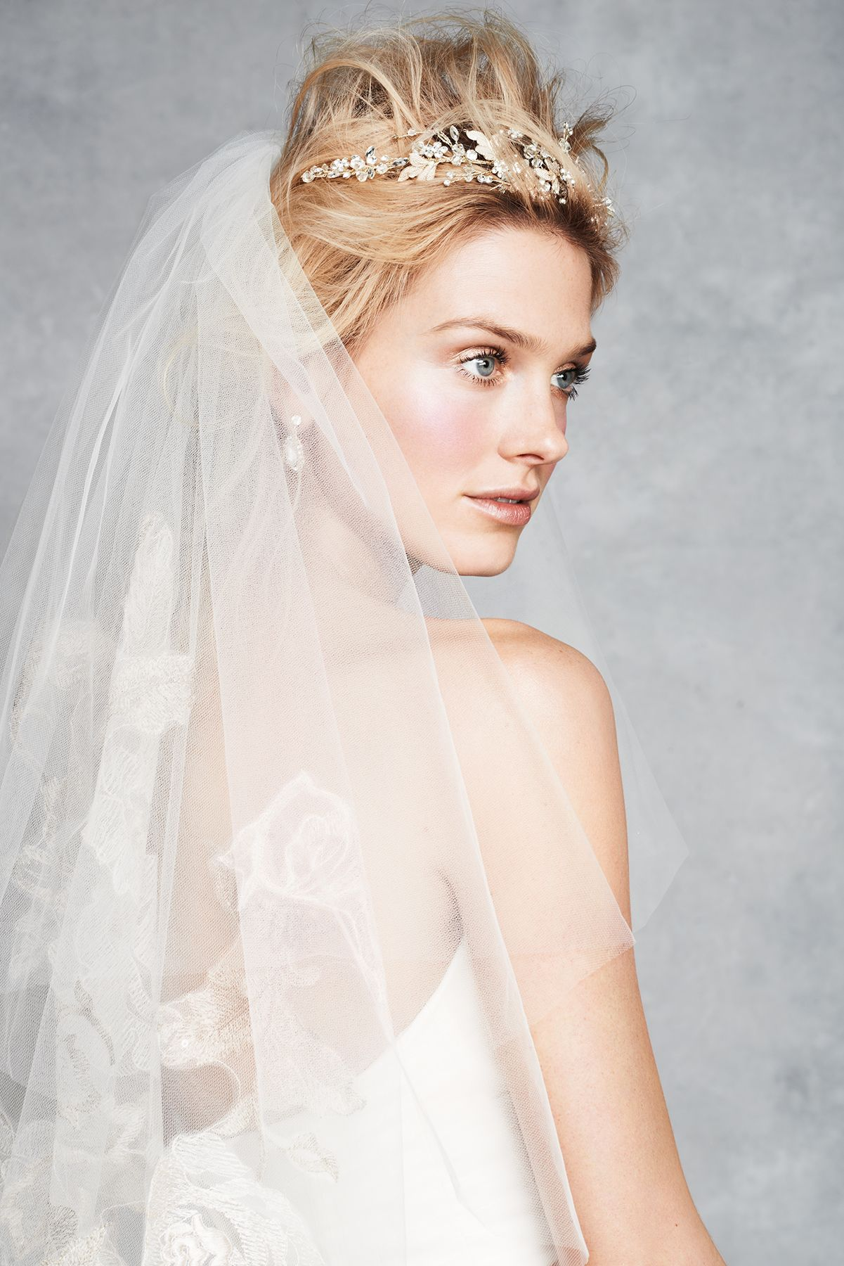 Bridal veils tiaras and jewelry wedding hairstyles with
