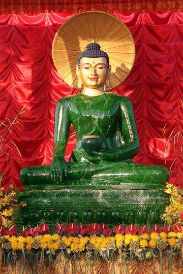 Buddha statue of gem-quality jade