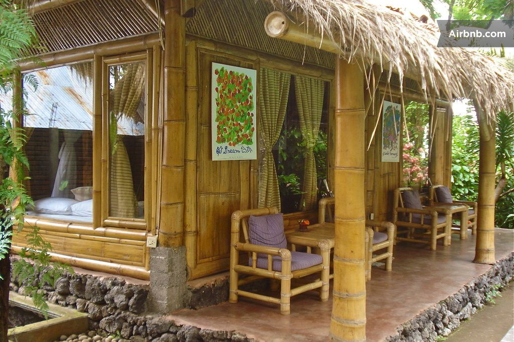 Environmentally friendly bamboo cottages small houses for Small and friendly holidays