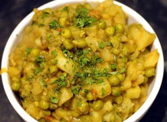 Nepalese potato tomato and pea curry recipe forumfinder