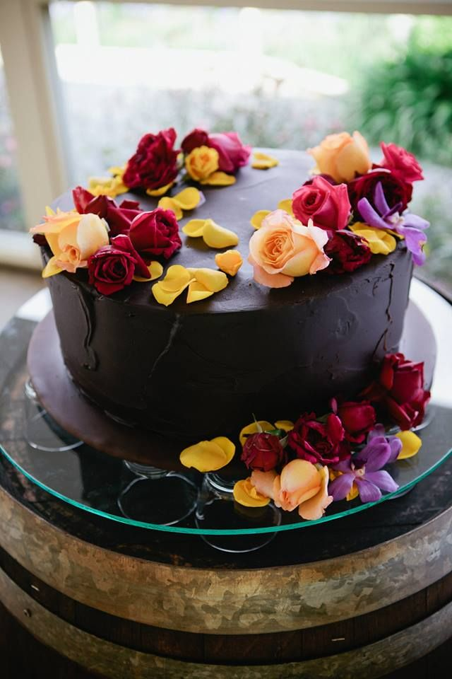 Simple And Classic Chocolate Cake With Fresh Flowers With Images