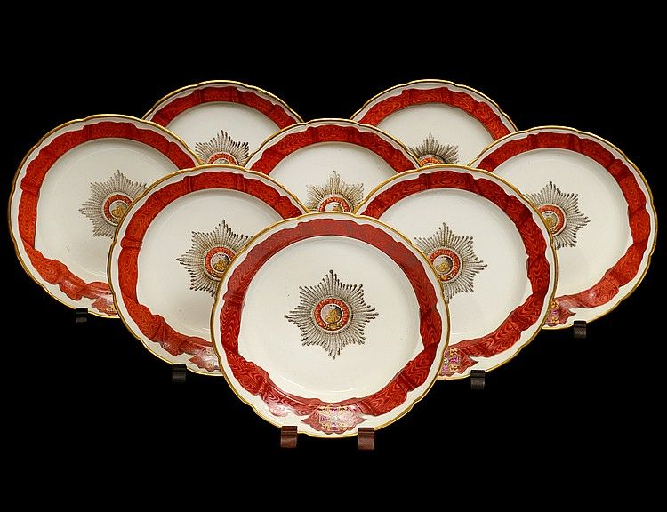SET OF EIGHT RUSSIAN GARDNER PORCELAIN SOUP PLATES