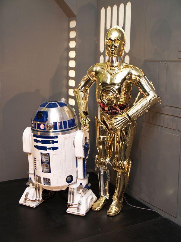R2d2 c3po star wars 1977 robots human form star wars robot samurai - Robot blanc star wars ...