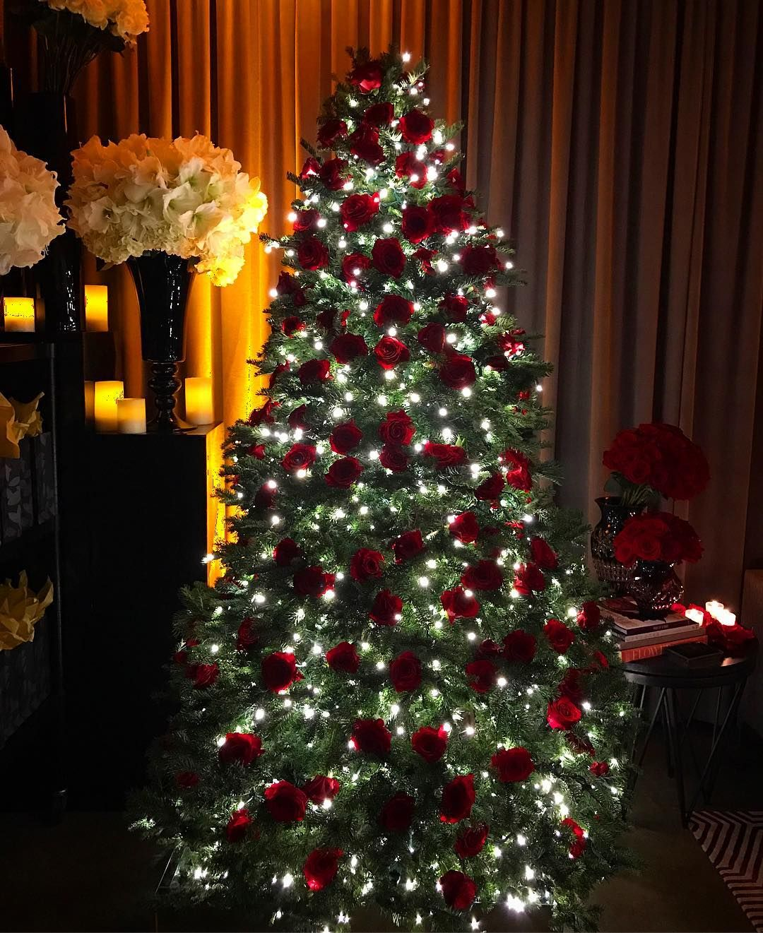 Fresh Red Rose Christmas Tree In Thebigsexy Holidaymagic Teamleatha Pink Christmas Decorations Christmas Tree Roses Cool Christmas Trees