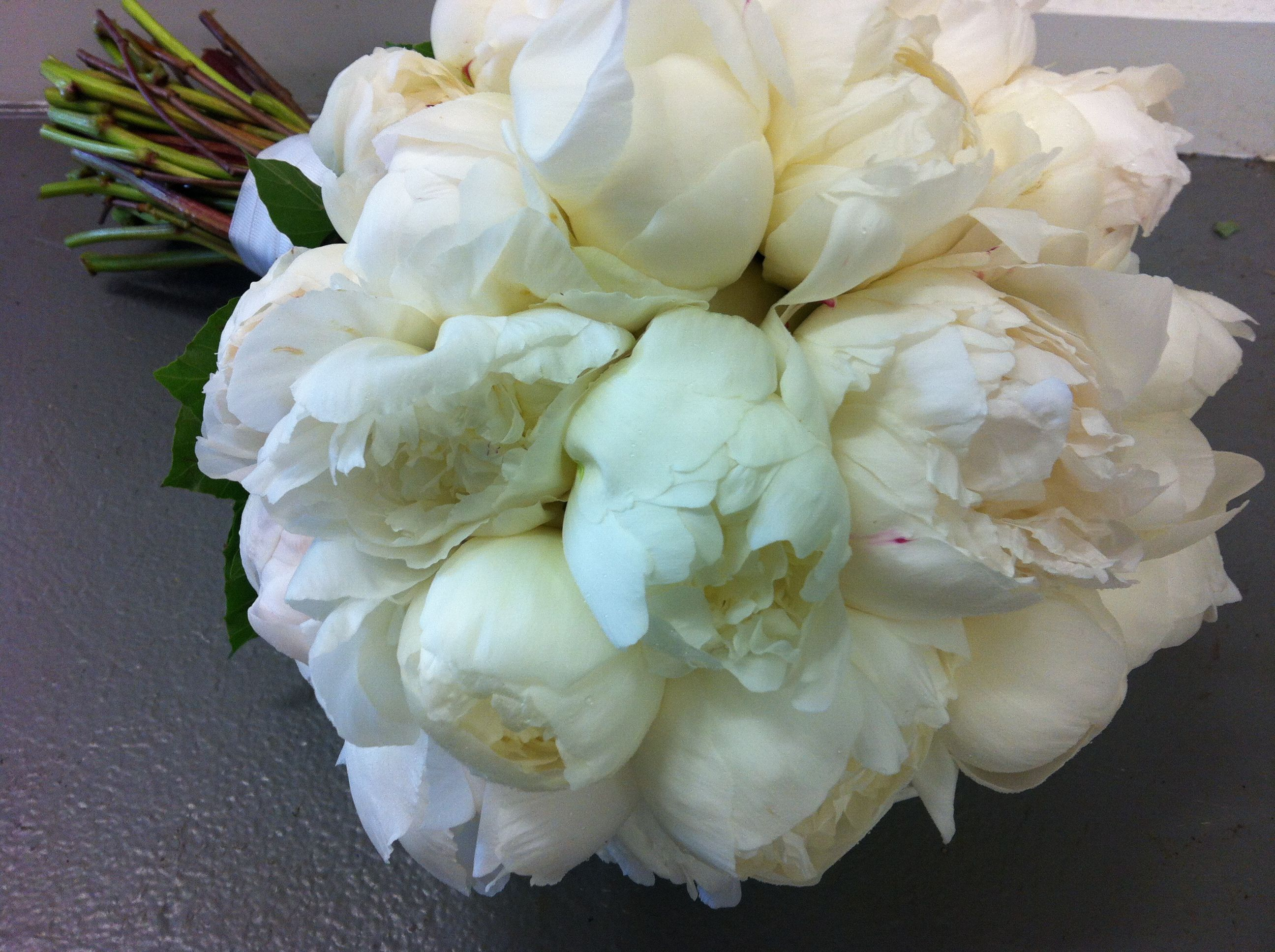 Bouquet Yours Will Peonies With Ivory White Varieties Of Roses