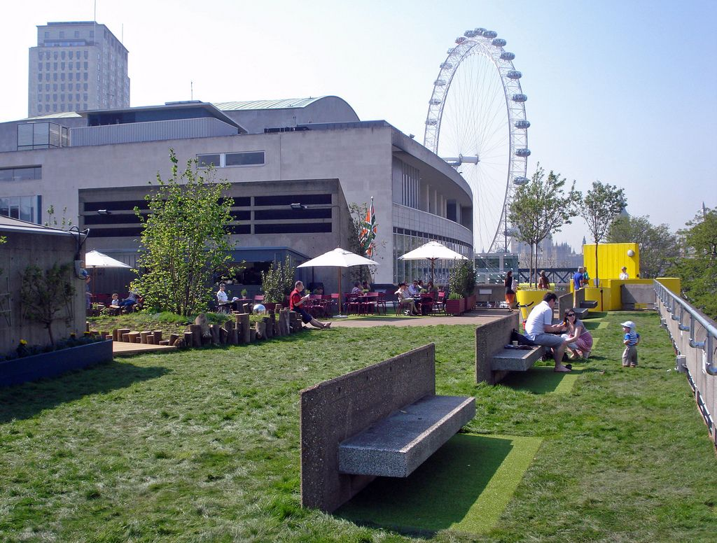 Queen Elizabeth Roof Garden Bar Cafe Southbank Centre Se1 8xx With Guidance From The Eden Project This Rooftop Roof Garden Garden Bar Garden Design London