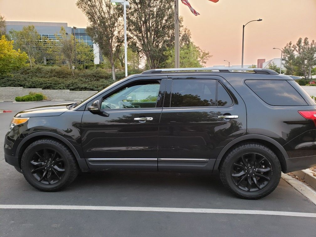 Pin by Paige Poulsen on explorer in 2020 Lifted ford