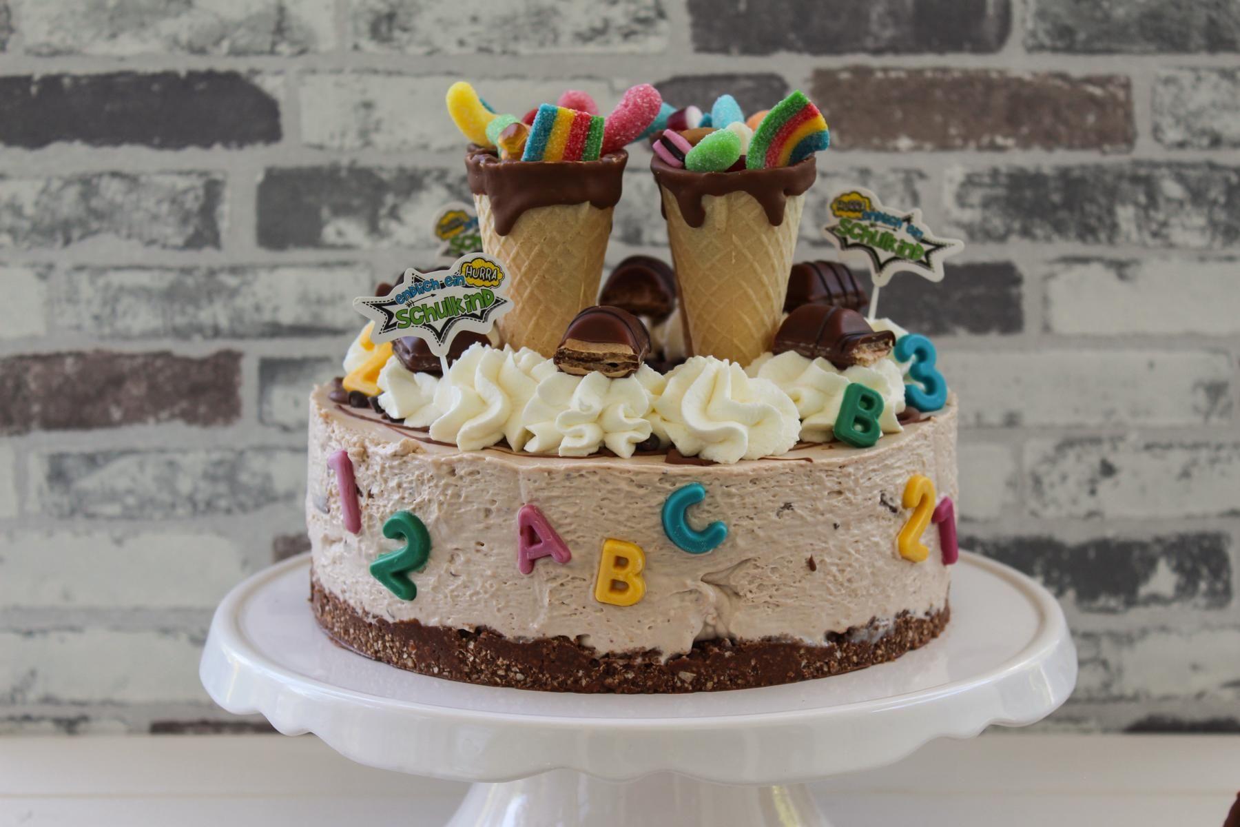 Eine Einfache Idee Fur Eine Schnelle Und Einfache Einschulungstorte Mit Buenos Kinderschokolade Und Zuc In 2020 Kuchen Einschulung Torte Einschulung Torte Schulanfang