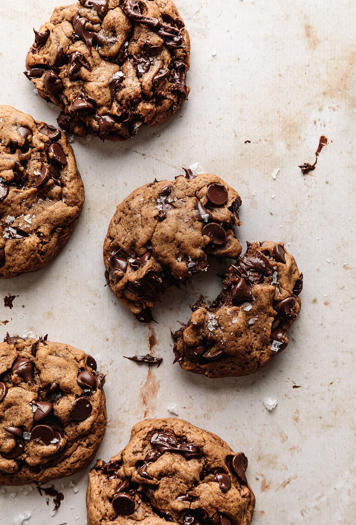 Small Batch Of Perfectly Soft Vegan Chocolate Chip Cookies With Crispy Edges An In 2020 Vegan Chocolate Chip Cookies Vegan Chocolate Chip Crispy Chocolate Chip Cookies