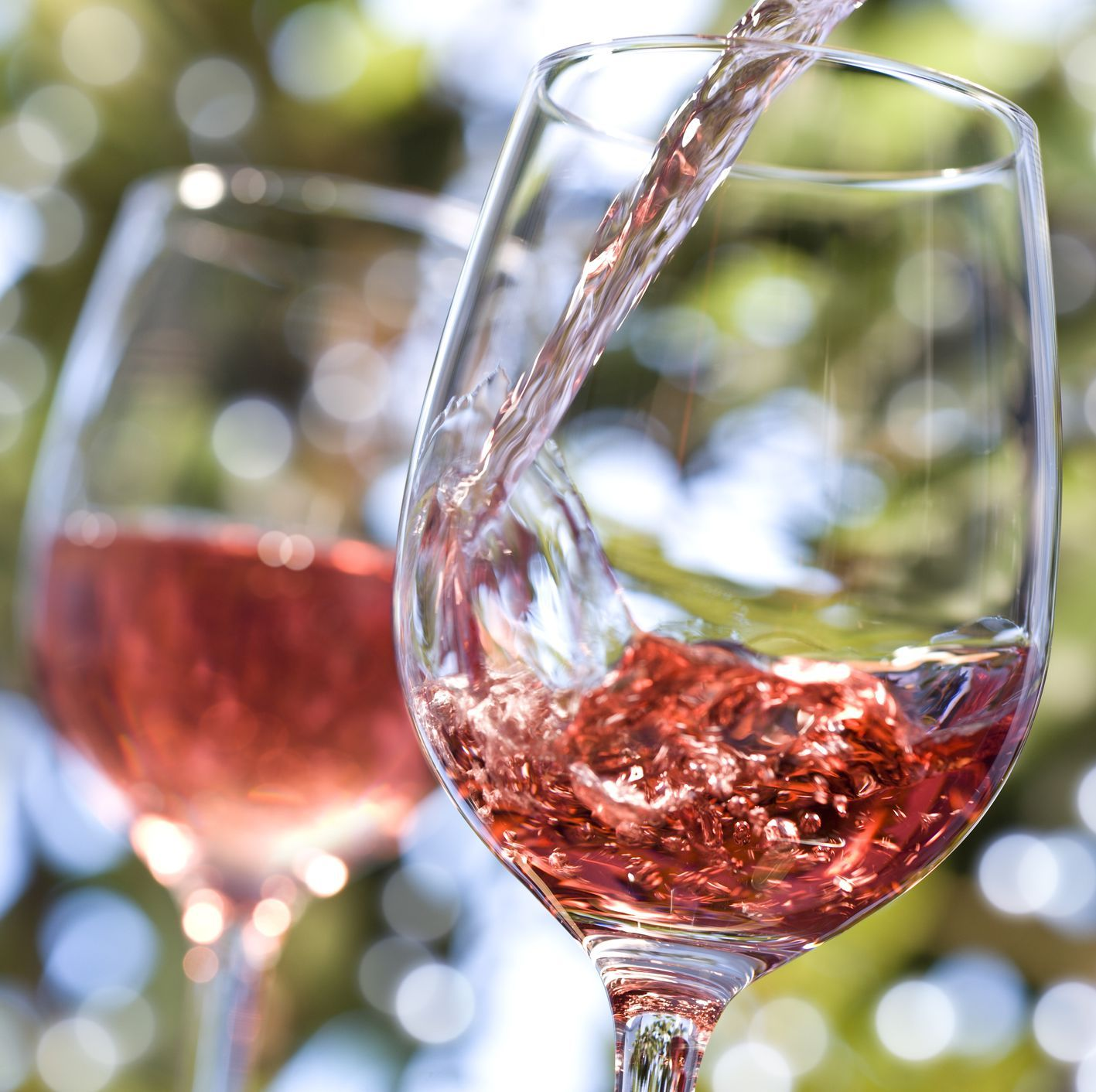If Dry January Feels Too Restrictive Try These 14 Low Calorie Alcoholic Beverages Wine Recipes Rose Wine Summer Wines