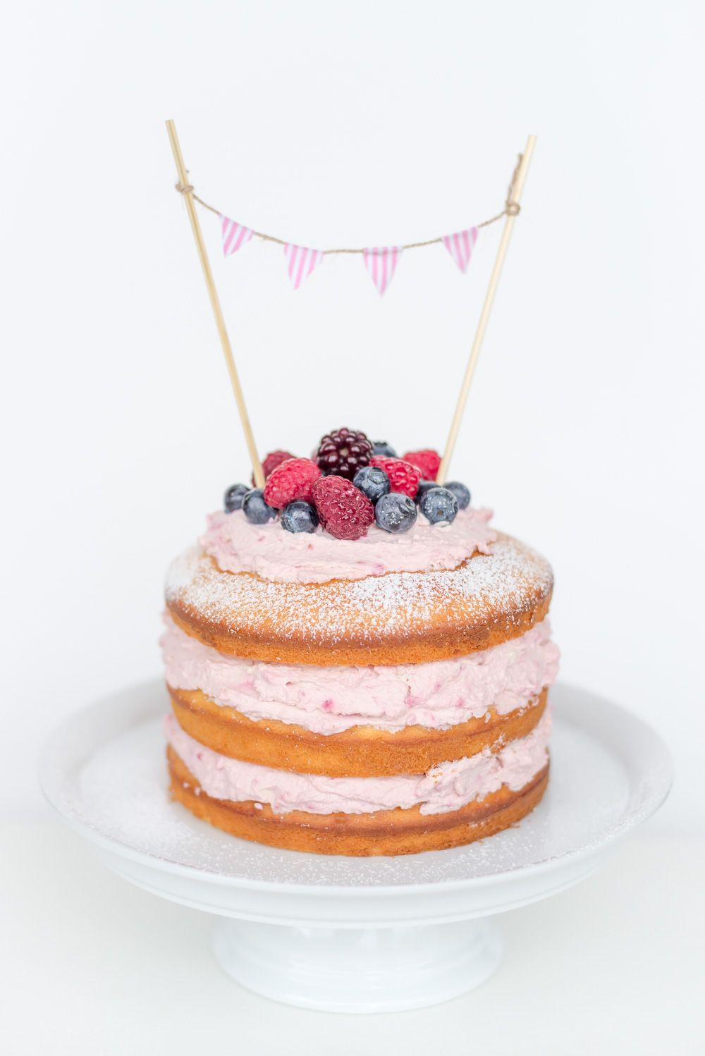 naked cake rezept mit himbeer mascarpone f llung. Black Bedroom Furniture Sets. Home Design Ideas