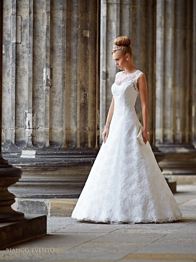 Épinglé sur Robes de mariées Mariage en Rose