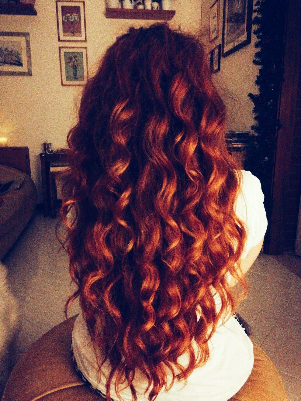 Henne su capelli ricci