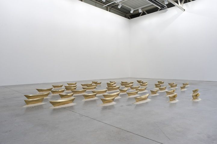 Repetitive Boat Installation Demonstrates a Calm Simplicity - My Modern Metropolis