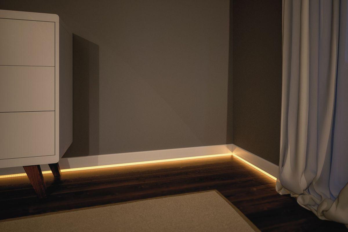 Lichtstreifen In Der Fussleiste Dezente Beleuchtung Fur Das Schlafzimmer Auch Im Badezimmer Sind Die Led Stripes In Der Fussleiste E Haus Deko Paulmann Led Led