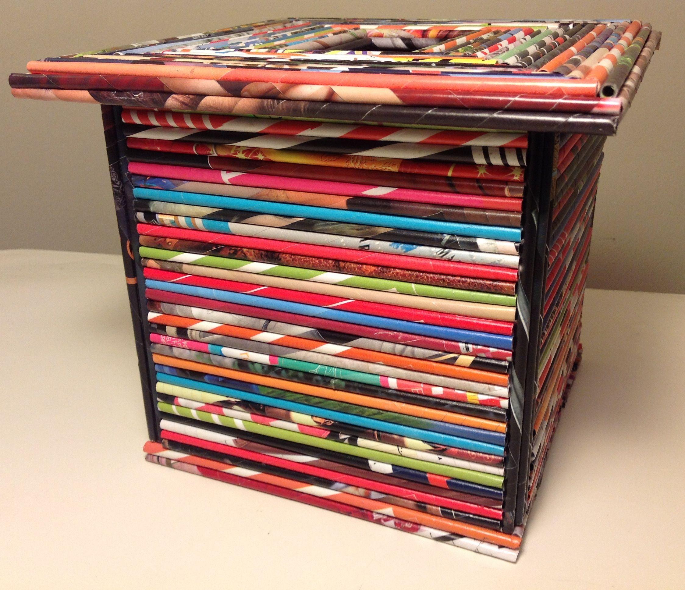 Caja multiuso con tapa decorada con rollitos de papel de - Manualidades de papel reciclado ...