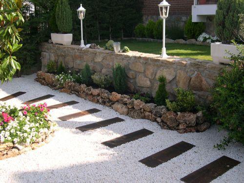 decoracion de patios y jardines con piedras las piedras se pueden utilizar de una y mil maneras en la decoracin de todo espacio exterior tanto de patios