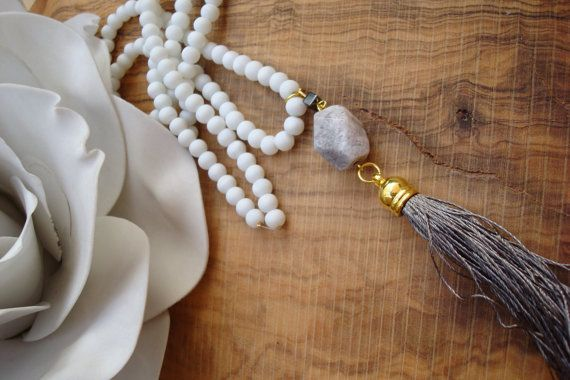 Collar borla. Collar largo perlas borla. Collar borla larga gris con piedra de…