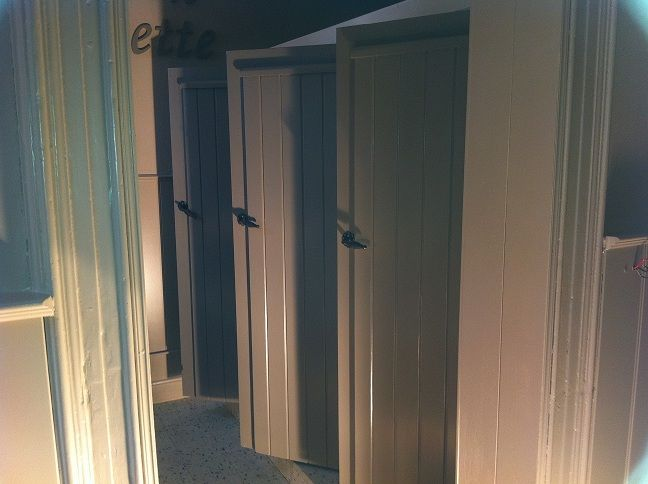 3 toiletjes schooltje.