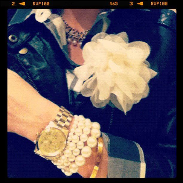 Fashion and Flowers go together...