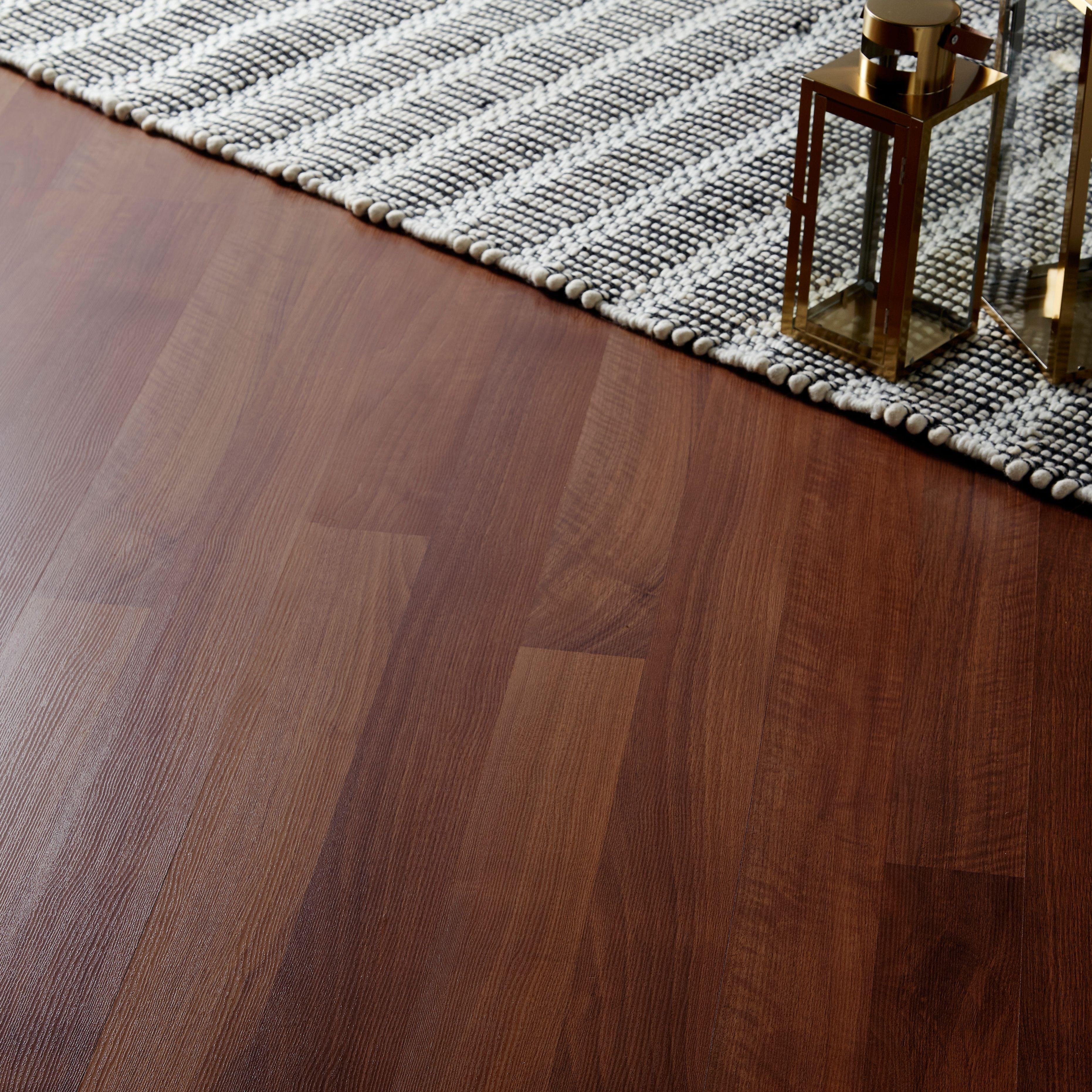 Geraldton Dark Walnut effect Laminate flooring 2.467 m² Pack ...