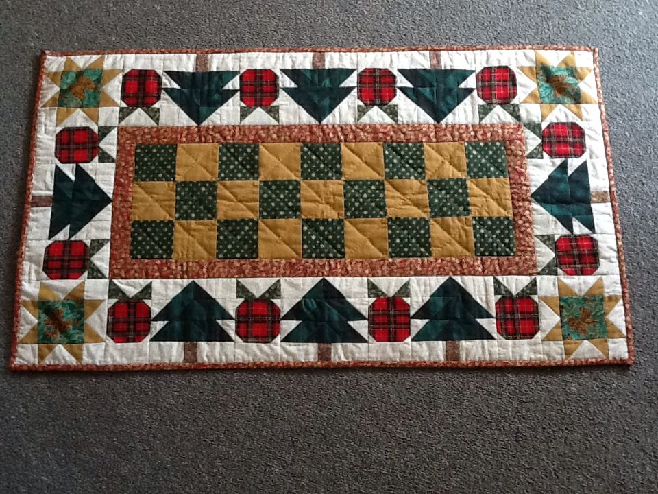 Table Runner. Christmas Apple From At Home With Thimbleberries Quilt By  Lynette Jensen