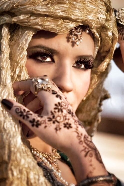 A beautiful arabian bride. Could Lillyth look like her? In ...
