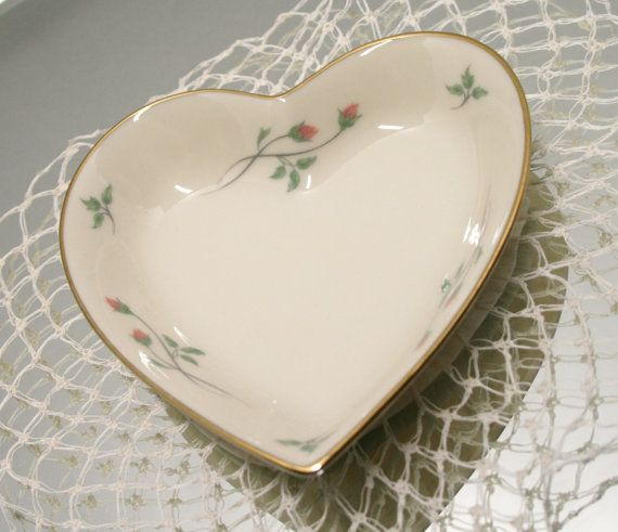 Pair Vintage Lenox Pin Dish And Matching Bud Vase Rose Manor Porcelain Pin Tray Bud Vase And Small Bon Bon Dish B 12 With Images Bud Vases Lenox Vintage