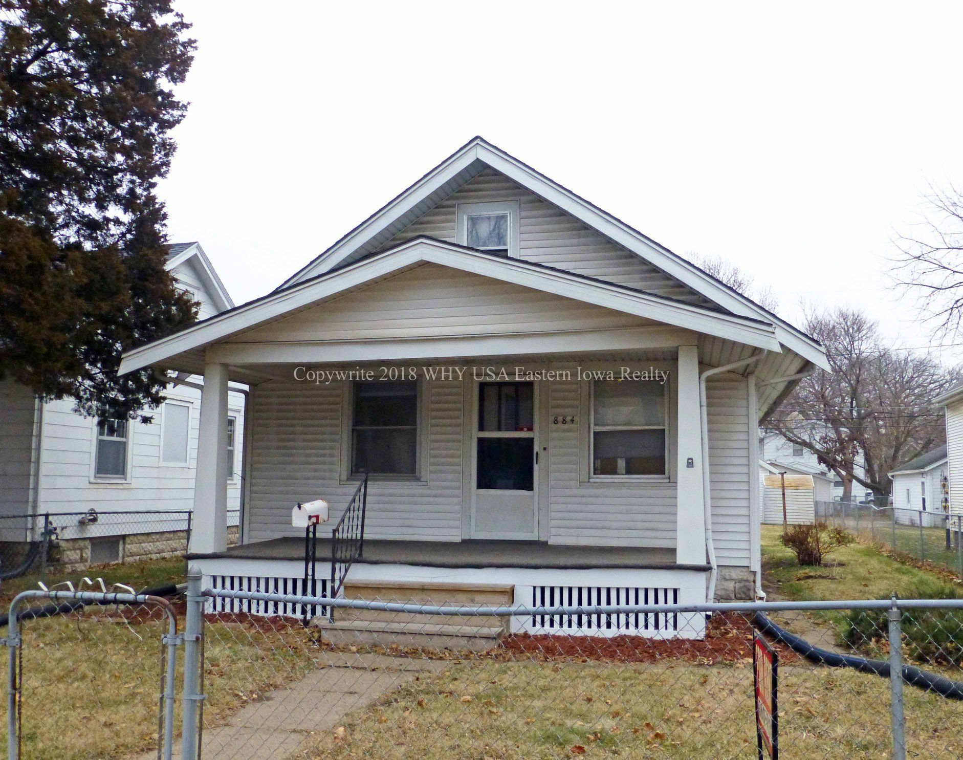 For Rent 2 Bedroom Ne Cedar Rapids Home With 2 Stall Garage For