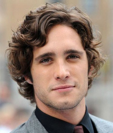 Diego Boneta Medium Curly Hair Curly Haired Boys Pinterest