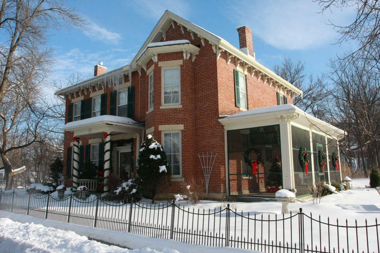 Winter at Aldrich Guest House, Galena IL Bed and Breakfast