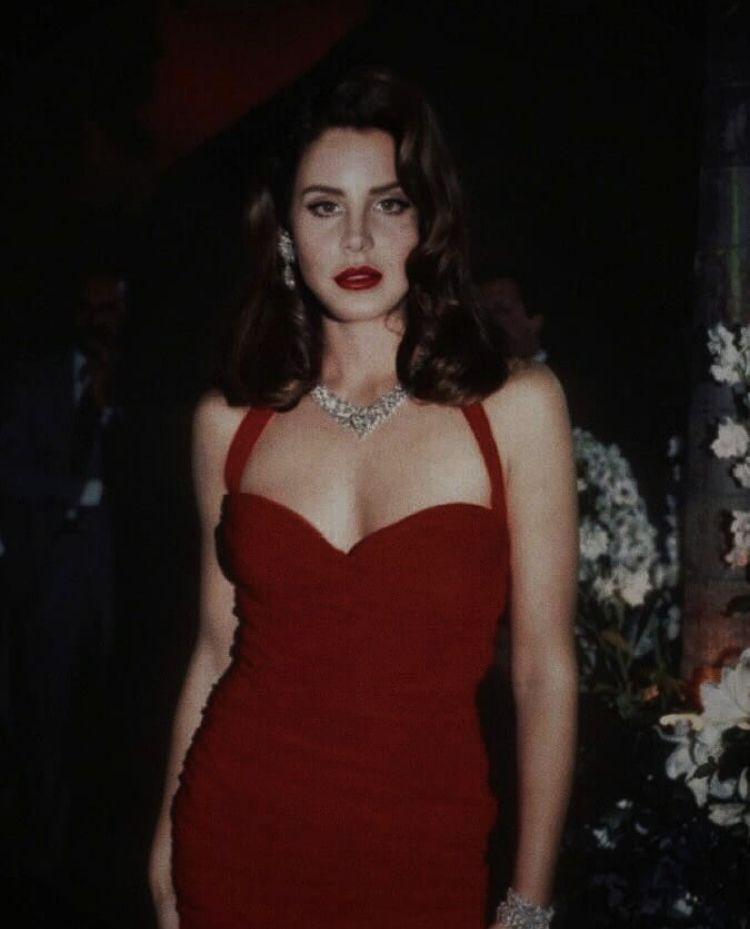 Photo of Lana Del Rey #lanadelreyaesthetic Lana Del Rey  #del #katzenfrauen #Lana #lanad