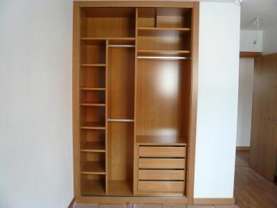 Interior armario armarios interiores pinterest bedrooms pallet bedroom furniture and house - Armarios empotrados interiores ...