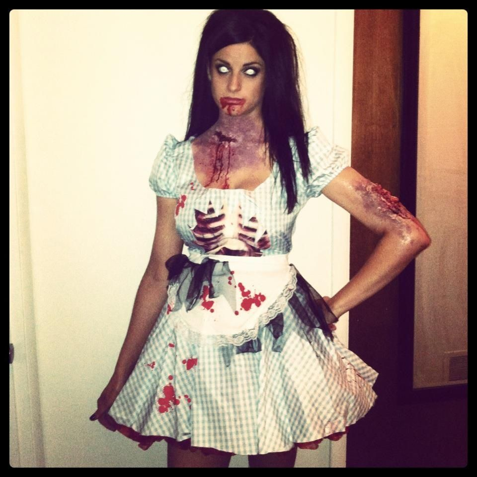 Zombie Dorothy Halloween outfits, Dorothy costume