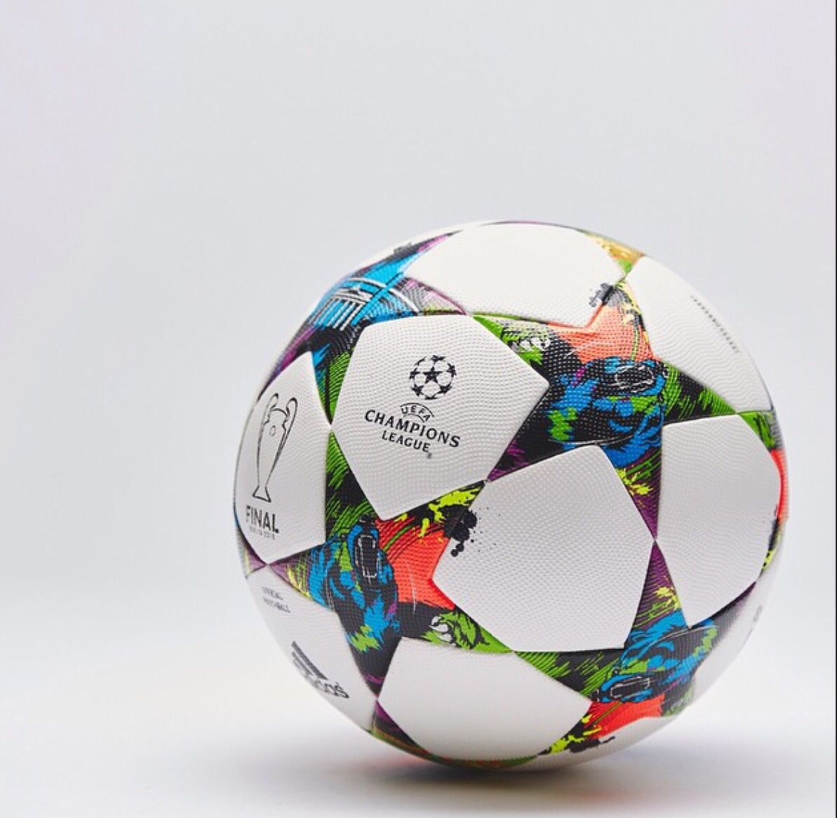 New Finale Champions League Ball