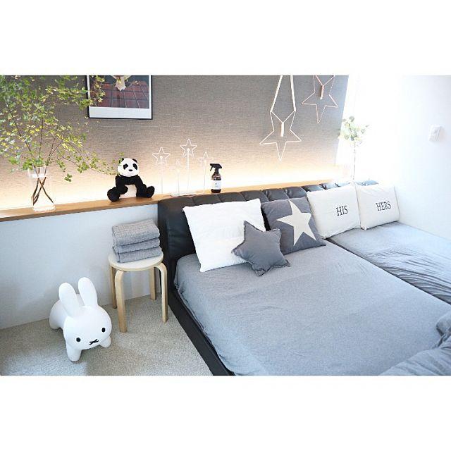 ベッド周り/間接照明/グレーインテリア/子供がいる家/寝室の壁 ...