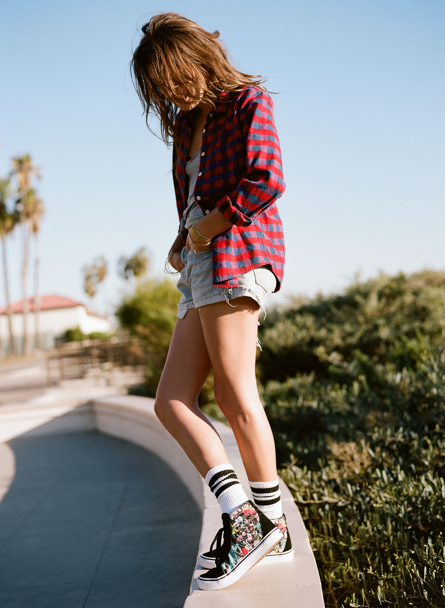 55669302e663 Stay in a Summer State of Mind with the Disney and Vans Collection ...